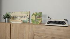 Wooden letters by Pétula Plas