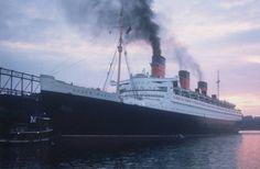 Navios em alto mar: rms queen mary