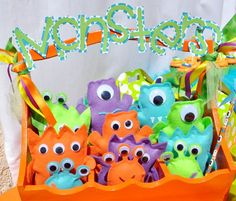 take home monsters Safari Party Ideas Little monster birthday cake monster party cute for a breakfast party! Monster Party Favors, Little Monster Birthday, Monster 1st Birthdays, Monster Inc Party, Monster Birthday Parties, First Birthday Parties, Birthday Party Themes, Boy Birthday, First Birthdays