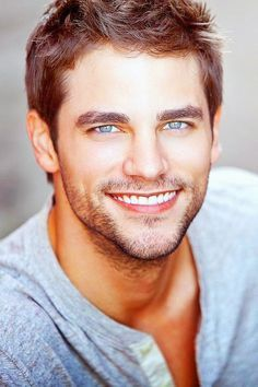 beautiful smile - beautiful teeth that helps to make that smile even more gorgeous! Beautiful Teeth, Beautiful Men Faces, Gorgeous Eyes, Most Beautiful Man, Face Men, Male Face, Brant Daugherty, Bushy Eyebrows, Blue Eyed Men