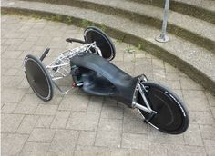 "The ingenious racing trike ""Skype-Way to Hell"" with 3D-printed frame and electrically driven by a cordless screwdriver. Build by students of the ""Hochschule für Gestaltung Schwäbisch Gmünd""."