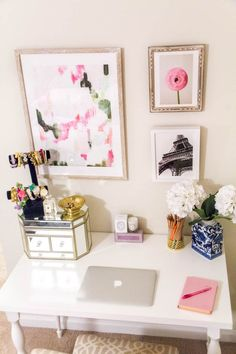 How to Accessorize and Decorate Your Work Space Office Desk