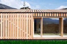 Lineal House in Bione / estudoquarto