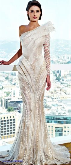 Couture Haute Couture Lebanese Designer Ziad Nakad is, with a very good fashion designing skills. Couture Haute Couture of chiffon, silk, satin and handmade flowers and Swarovski Beautiful Gowns, Beautiful Outfits, Beautiful Mermaid, Elegant Dresses, Pretty Dresses, Couture Dresses, Fashion Dresses, Bridal Gowns, Wedding Gowns