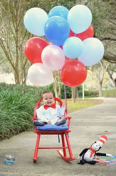 Cat in the hat- 1st birthday photo shoot - photography- thing one and thing two