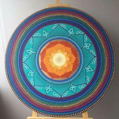 Mandala pontilhismo flores Artista: Danielli Queiroz