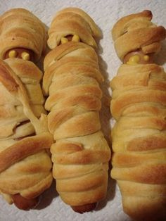 Delicious Meliscious - a cooking blog by Melissa: Mummy Dogs