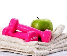 Fazer exercícios físicos, com o estômago vazio é o maior erro que podemos cometer com nossa saúde. A falta de alimento antes do treino pode nos causar enjoo, tontura, dor de cabeça e queda de pressão.