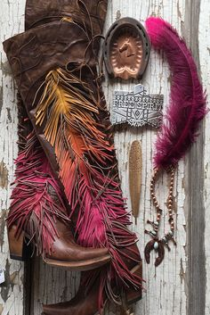 RODUCT DESCRIPTIONThe Junk Gypsy by Lane Spirit Animal in distressed brown, butter soft leather, is a firecracker of a boot, perfect for the Boho Cowgirl. Crazy Shoes, Me Too Shoes, Hot Shoes, Looks Style, My Style, Bota Country, Over Boots, Mode Blog, Cowgirl Boots