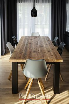 Stół ze starego drewna i metalu CHICAGO Kitchen Dining Living, Dining Room Table, Home And Living, Home And Family, Living Room, Kitchen Interior, Home Projects, Office Decor, Room Decor