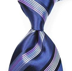 Perfect tie with dimple.