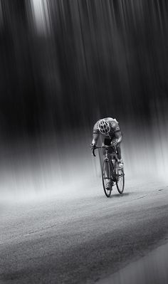 ideas for sport photography inspiration Cycling Art, Road Cycling, Cycling Bikes, Road Bike, Foto Sport, Cycling Motivation, Bicycle Art, Sport Photography, Amazing Photography