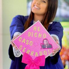 Pin for Later: Graduating Latinas Are Honoring Their Heritage With Inspiring DIY Caps Using Ana María Polo's Favorite Expression