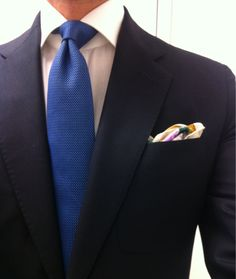 Italy The French Hermes tie with Italian Borrelli spread collar & The Rubinacci pochette. Italian fashion mixed with French fashion works for me - Mari Italian Fashion, French Fashion, France Vs Italy, What Makes A Man, Fashion Words, Suit Shirts, Blue Ties, Suit And Tie, Well Dressed
