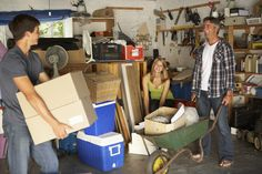 DECLUTTER YOUR GARAGE FOR WINTER: 5 THINGS YOU SHOULD BE MOVING TO A STORAGE UNIT Clean Garage, Organized Garage, Garage Loft, Plastik Box, Garage Boden, Everything I Own, Outdoor Buildings, Fall Cleaning, Cleaning Tips