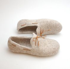 Felt slipper loafers beige with brown laces  by WoolenClogs, $75.00