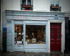 Rue Lepic, Paris 18e. Avril 2015.