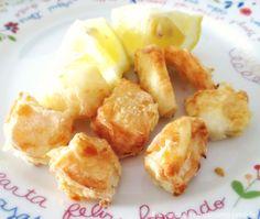 Ingredientes:     500g de tiras de pota descongeladas   limão   sal   pimenta   alho em pó   farinha   azeite     Modo de preparação:  ...