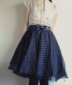 How cute is that skirt!!