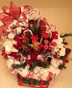 Candy Cane Table Top Basket