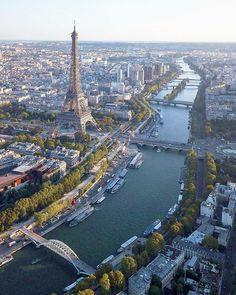The Eiffel Tower along the Seine River, Paris, France. Torre Eiffel Paris, Paris Eiffel Tower, Tour Eiffel, Eiffel Towers, Paris Photography, Travel Photography, Places Around The World, Around The Worlds, Places To Travel