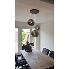3-lichts hanglamp BALLOON I metallic smoke zwart | Ronde plafondplaat 35 cm Home Room Design, Living Room Designs, Cool Light Fixtures, Dining Room Lighting, Patio Design, House Rooms, Floor Lamp, Pendant Lighting, Sweet Home