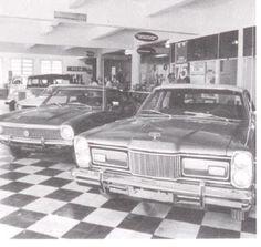 """Ford Galaxie LTD Landau na concessionária Ford """"Mário De Boni & CIA LTDA"""" em Caxias do Sul - RS."""