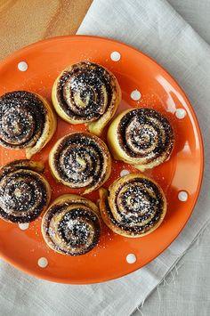 Mini kakaós csiga - élesztő nélküli kefires tésztából Minion, Panna Cotta, Ethnic Recipes, Cakes, Food, Dulce De Leche, Cake Makers, Kuchen, Essen