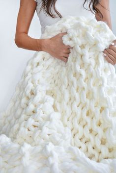 DIY | CHUNKY KNIT THROW #DIY #chunkyknit #accessories