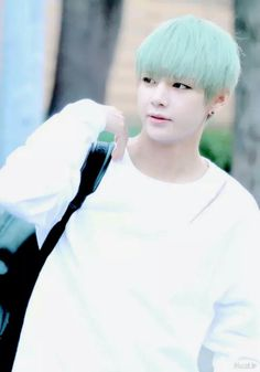 MINT HAIRED TAEHYUNG  KYEOPTA   #TAEHYUNG  #BTS #V