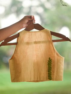 Saree Blouse Neck Designs, Saree Blouse Patterns, Fancy Blouse Designs, Kurta Designs, Cotton Saree Blouse, Skirt Patterns, Coat Patterns, Sewing Patterns, Stylish Blouse Design