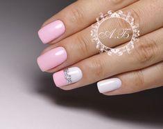 Discover the 10 most popular nail polish colors of all time! - My Nails Classy Nails, Fancy Nails, Stylish Nails, Rose Nails, Pink Nails, Short Nail Designs, Nail Art Designs, Hair And Nails, My Nails