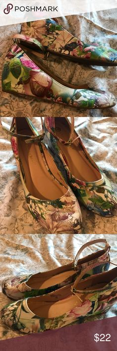 Ankle Strap Floral Print Wedge Heel Fun and colorful wedge with built in heel and super cute ankle straps. Full shoe is in a floral design and ankle straps match. Worn only once, in great condition! Chase & Chloe Shoes Wedges