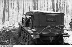 Sd.Kfz. 10, leichte Zugkraftwagen 1t (license number WH 523906), Russia, December 1942