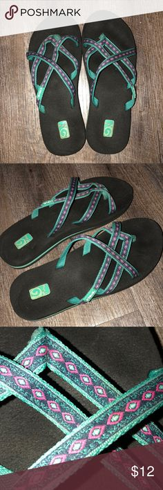 5b31d93d9390eb NWOT Teva Olowahu sandals Worn twice!!! No signs of wear. They have
