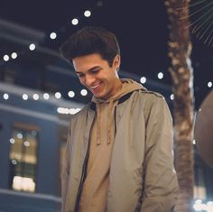 That smile is soooo cute its soo crazy Youtube Boyfriend, Cute Youtubers, Carson Lueders, Brent Rivera, Fine Boys, Youtube Stars, Magcon Boys, Young Justice, Beautiful Celebrities