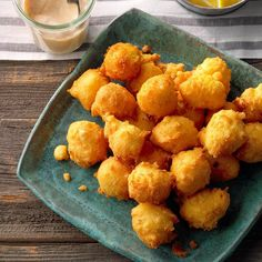 Hush Puppies Hush Puppies Recipe, Easy Hush Puppy Recipe, Fish Dinner, Fried Fish, Fish Fry, Seafood Dishes, Seafood Recipes, Chicken Recipes, Side Dish Recipes