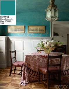 Design by Studio Peregalli, Elle Decor, June Photo by Simon Upton. Walls and ceiling in an Arts and Crafts, Hampstead, London breakfast room covered with handprinted paper. Interior Exterior, Home Interior, Luxury Interior, Deco Boheme, London House, Best Dining, Color Of The Year, Table Covers, Elle Decor