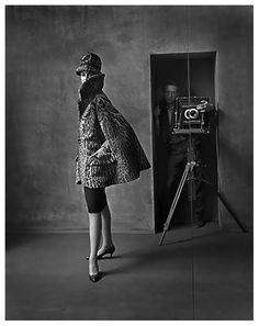 the American photographer Melvin Sokolsky (b.1933) self portrait and the model CarmenDell'Orefice. via pleasure photo