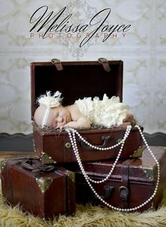 Suitcases as Photo Props / Melissa Joyce Photography