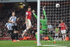Arsenal 3 Newcastle 0 - Giroud gets our third and it's game over.