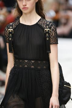 Burberry Prorsum Spring 2016 Ready-to-Wear Accessories Photos - Vogue