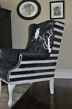 Painting a vinyl chair with Old White and French Linen Chalk Paint