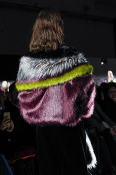 Dries Van Noten Fall 2017 Ready-to-Wear collection.