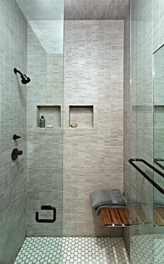 Modern bathroom design ideas can be used in most bathroom styles for an attractive midcentury look. Look these Stunning 25 Modern Bathroom Design Ideas. Studio Apartment Design, Apartment Interior Design, Bathroom Interior, Studio Design, Apartment Layout, Wet Rooms, Small Loft Apartments, Modern Small Bathrooms, Bathroom Modern