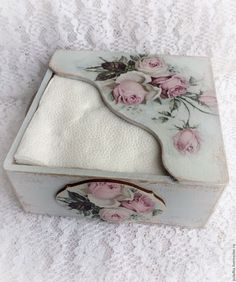 Decoupage Furniture, Decoupage Box, Decoupage Vintage, Diy Wall Painting, Diy Wall Art, Painting On Wood, Tissue Paper Holder, Tissue Box Covers, Wooden Crafts