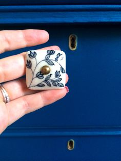 Hand painted knobs Cheap Cabinets, Hand Painted, Room, Crafts, Accessories, Bedroom, Manualidades, Rooms, Rum