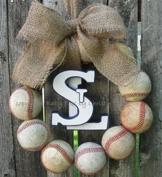 Saint Louis Cardinals Burlap Baseball Love Wreath:  Michelle your boys would love this!  As soon as you pin this I will delete :)  Go Braves!