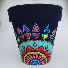 Painting Flower Pots Mandala 18 Ideas For 2019 Flower Pot Art, Flower Pot Design, Flower Pot Crafts, Clay Pot Crafts, Crafts To Make, Painted Plant Pots, Painted Flower Pots, Pottery Painting, Ceramic Painting