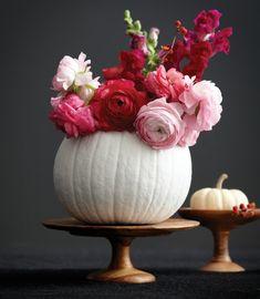 Rosen in einer Vase arrangieren - festliche und stilvolle Dekoration basteln